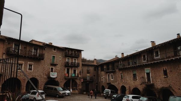 Plaza central de Sant Pau.